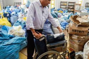 Sau 8 năm, 10 tấn bưu kiện bị Israel phong tỏa mới được chuyển tới Bờ Tây