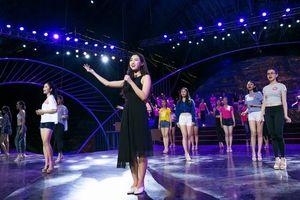 Hết nhiệm kỳ Hoa hậu Việt Nam, Đỗ Mỹ Linh có nên suy nghĩ đến việc đi hát?