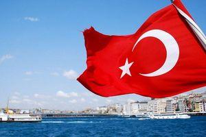 Moody's và Standard & Poors hạ tín nhiệm Thổ Nhĩ Kỳ, cảnh báo rủi ro tồi tệ