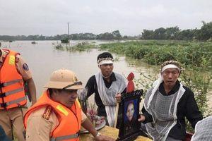 Thanh Hóa: Nước sông dâng cao hàng nghìn hộ dân phải chạy lụt