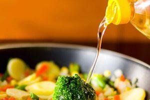 Những sai lầm khi sử dụng dầu ăn gây hại cho sức khỏe