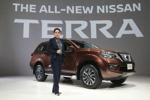 Về Việt Nam, Nissan Terra sử dụng động cơ mới