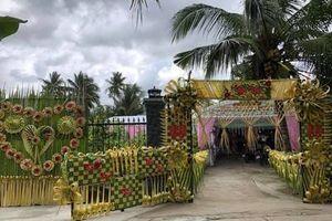 Choáng với chi phí chiếc cổng cưới lá dừa khiến dân mạng say mê
