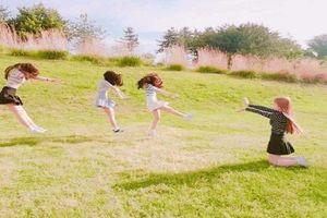 Bộ ảnh du lịch 'siêu lầy' của nhóm 4 cô bạn xinh đẹp