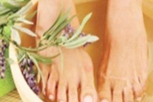 Ngâm chân bằng thảo dược trị nhiều bệnh