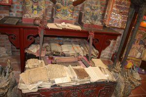 Bảo tồn chữ viết Nôm - Dao: Mỗi nơi một cách làm