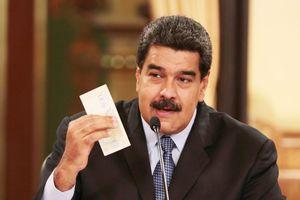 Venezuela đổi tiền mong thoát khó