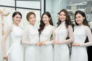 Dàn thí sinh Hoa hậu Siêu quốc gia Việt Nam đẹp tinh khôi trong trang phục áo dài