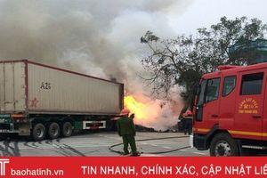 Cháy container, 62 xe máy tay ga được 'cứu' trong gang tấc