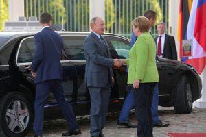 Lãnh đạo Nga-Đức dành hàng giờ trao đổi nhiều vấn đề nóng