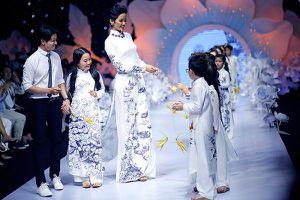 Áo dài của H'Hen Niê đấu giá được 105 triệu đồng