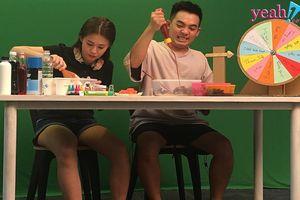 Cặp đôi 'bá đạo' Phở Đặc Biệt - Ngọc Thảo hé lộ loạt clip tham gia thử thách cực vui nhộn khiến fans cười ngất.