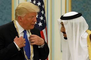 Tổng thống Trump chơi rắn, ngừng chi trả 'vô lý' cho Syria