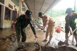 Lực lượng Công an nỗ lực giúp dân ổn định cuộc sống sau lũ
