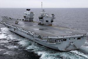 Anh lo Nga quấy rối tàu sân bay HMS Queen Elizabeth chạy thử nghiệm