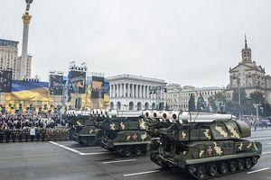 Buk-M1 của Ukraine khiến người dân hú vía vì sự cố xảy ra khi duyệt binh