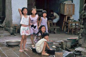 Tuổi thơ của những em bé Hà Nội xưa