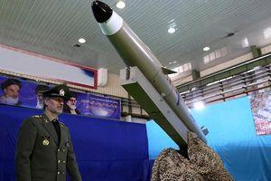 Iran liên tiếp trình làng vũ khí mới giữa lúc 'nước sôi lửa bỏng'