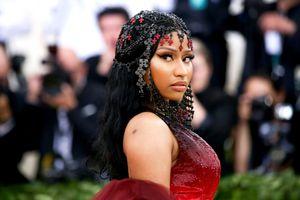 Mất vị trí quán quân trên BXH tuần này, Nicki Minaj lớn tiếng 'đổ thừa' cả thiên hạ!