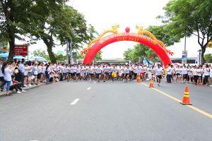 Giải chạy 'Seabank run for the future' ủng hộ học sinh nghèo miền Trung
