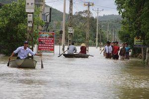 Bảo đảm các điều kiện cho học sinh đến trường sau mưa lũ