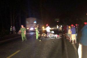 2 xe máy đâm trực diện, 3 người thương vong