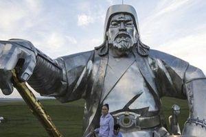 Chiêm ngưỡng tượng đài Thành Cát Tư Hãn khổng lồ ở Mông Cổ