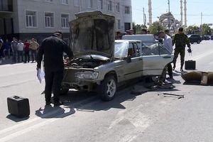 Khủng bố 'nhí' đồng loạt lao xe, đánh bom 3 địa điểm ở Nga