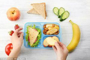 Nguyên nhân khiến các bác sĩ nhi khuyên bạn không nên dùng đồ nhựa để chứa thức ăn.