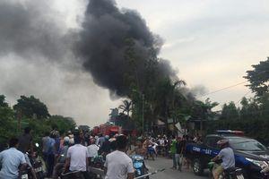 Cháy nổ lớn tại xưởng chưng cất dầu ô tô