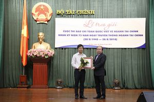 Bộ Tài chính trao giải báo chí toàn quốc viết về ngành Tài chính
