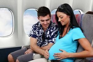 Phụ nữ mang thai có nên đi máy bay không?