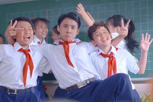 Sống lại tuổi học trò qua MV sôi động về ngày tựu trường