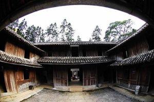 Về di tích kiến trúc nghệ thuật quốc gia Khu nhà Vương(Đồng Văn): Cần phân định rõ 'chuyện cũ' và 'chuyện mới'