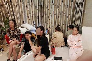 Khởi tố vụ nhiều nam nữ phê ma túy trong khách sạn tại quận 5
