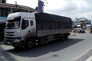 Một phụ nữ bán vé số tử vong sau va chạm với xe tải
