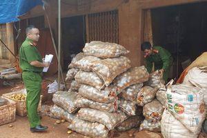 Lật mặt tiểu thương 'phù phép' khoai tây Trung Quốc thành hàng Đà Lạt