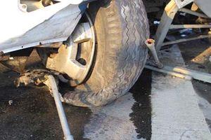 Lốp xe ô tô khách phát nổ làm một người tử vong