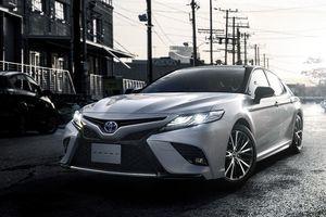 Toyota Camry Sport giá chỉ 770 triệu đồng tại Nhật Bản
