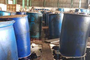 TP.HCM: Phát hiện cơ sở sản xuất ớt ngâm muối lẫn xác côn trùng