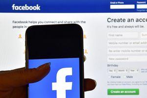 Nghi tấn công bầu cử Mỹ, Facebook gỡ 652 tài khoản của Nga và Iran