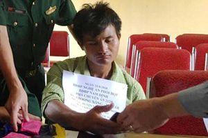 Bắt nóng đối tượng người Lào cùng 3.000 viên ma túy tổng hợp