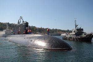 Philippines muốn sắm tàu ngầm Kilo, trực thăng, súng bộ binh Nga