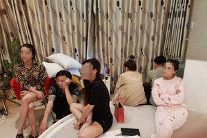 Bắt tạm giam 6 nam thanh, nữ tú phê ma túy trong khách sạn ở TP.HCM
