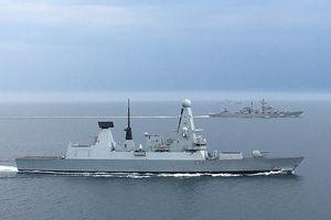 Anh: Tàu HMS Hurworth giám sát tàu chiến Nga tại eo biển Manche