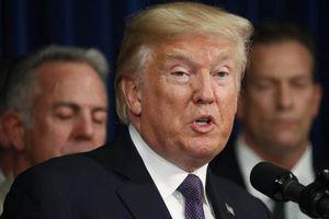 Trump nói 'không sai' khi chi tiền bịt miệng sao khiêu dâm