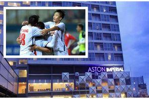 Ghé khách sạn mới Olympic Việt Nam chuyển đến trước trận 'quyết chiến' Bahrain