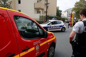 Tấn công bằng dao ở ngoại ô Paris: Nhiều khả năng không phải là khủng bố