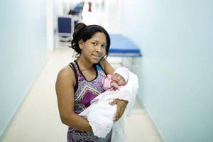 Nhiều bà bầu Venezuela lũ lượt sang Brazil sinh con