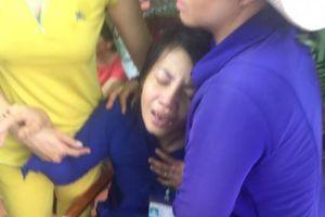 Mẹ khóc nghẹn khi biết tin con gái bị xe tải tông tử vong trên đường đi học về